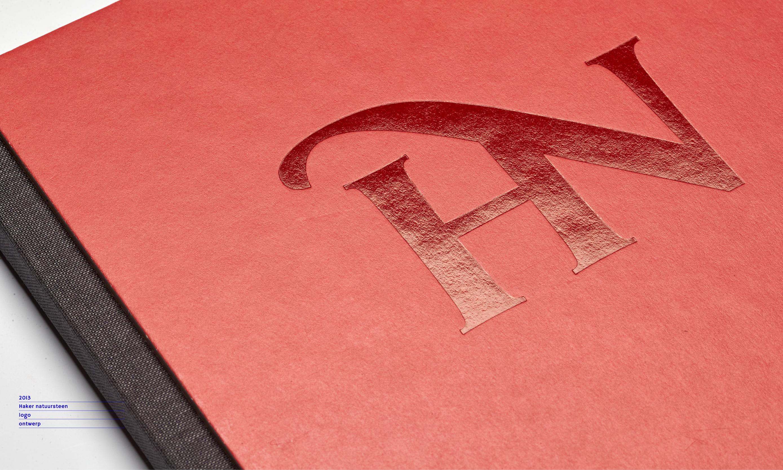 logo toepassing haker natuursteen